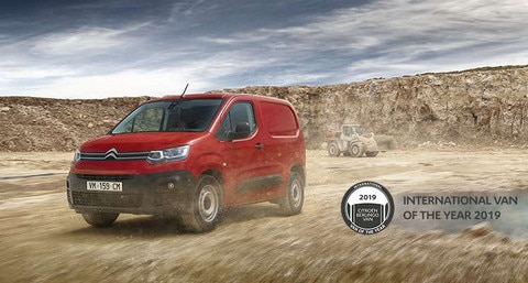 NOVÝ CITROËN BERLINGO ZÍSKAL TITUL INTERNATIONAL VAN OF THE YEAR 2019!